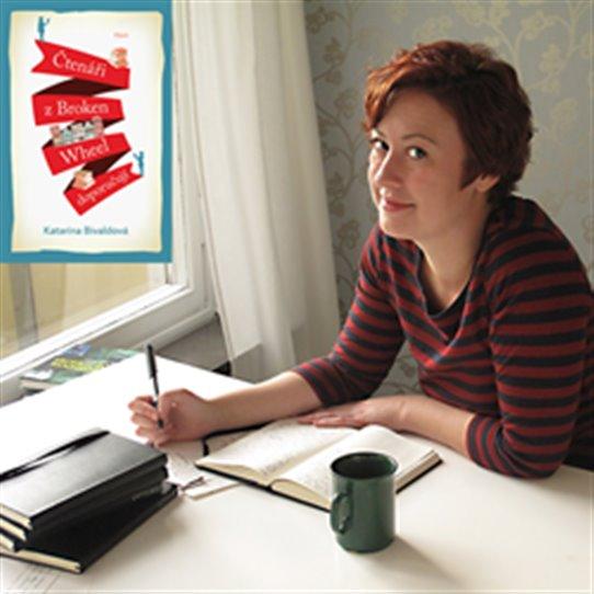 Švédská spisovatelka Katarina Bivaldová přijala v listopadu pozvání Skandinávského domu na festival Dny Severu, kde představila svůj debutový, mezinárodně úspěšný feel-good román Čtenáři z Broken Wheel doporučují.