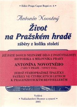 Obálka titulu Život na Pražském hradě