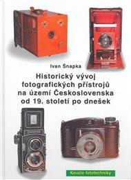 Historický vývoj fotografických přístrojů na území Československa od 19. století po dnešek