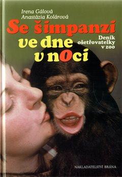 Obálka titulu Se šimpanzi ve dne v noci