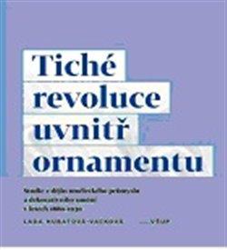 Obálka titulu Tiché revoluce uvnitř ornamentu
