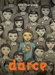 Knihu Dárce potkal osud mnohých úspěšných knih - zfilmovali ji. Právě jde do kin.