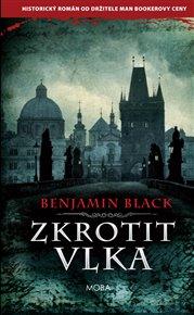 Benjamin Black je krycí jméno irského spisovatele Johna Banvillea. Tedy vlastně ne krycí, protože už ho dávno nekryje, ale spíš jméno druhé. Jméno pro psaní detektivních románů. Ten poslední vyšel dřív česky než anglicky a odehrává se v rudolfinské Praze.