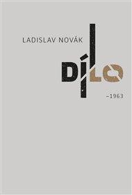 Ladislav Novák, básník a výtvarník, sice prožil celý život na malém městě, v Třebíči, ovšem jak ukazuje jeho právě vydané dvousvazkové Dílo, na periferii uměleckého provozu rozhodně nepatřil. Naopak.