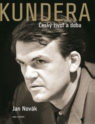 """Na téměř devíti stovkách stran popsal spisovatel Jan Novák """"českou část"""" života a díla Milana Kundery. Jednadevadesátiletý světově proslulý autor pochopitelně na knize nijak nespolupracoval, přesto se Novák do další dobrodružné práce - po knize o Miloši Formanovi a bratrech Mašínech - pustil. Přinášíme první ukázku z knihy, o které ještě asi hodně uslyšíte."""