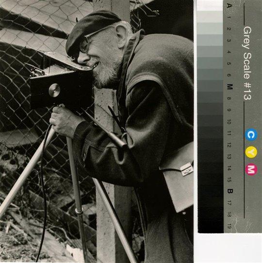 Když se řekne Josef Sudek (1896 - 1976), objeví se nám před očima foťák na stativu, černobílé zátiší, na módu nedbající strejda typu Váchala nebo Vláčila. Soubor vzpomínek na fotografa a rozhovorů s ním právě vychází.
