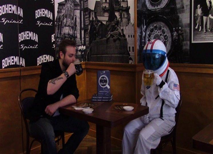 Takže to nejni o Remkovi, jo? - ukázka z Kosmonauta z Čech Jakuba Kalfaře