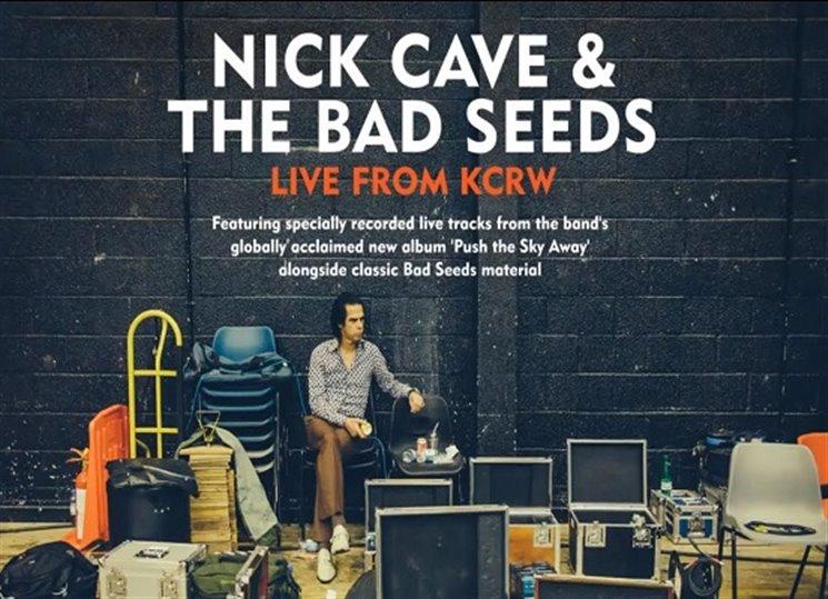 Nick Cave dáví krásu do pytlíku a v září 2017 mu bude šedesát...