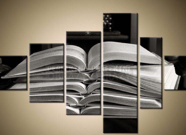 Konec roku znamená další uzavřenou knižní sezónu. Které knihy jste si v Kosmasu kupovali nejvíc? Necháte se prodejností knihy jako čtenář ovlivnit? A jak? Začne vás dobře prodejná kniha přitahovat nebo odpuzovat? Každopádně - tady je TOP 10 e-shopu Kosmasu za rok 2017.