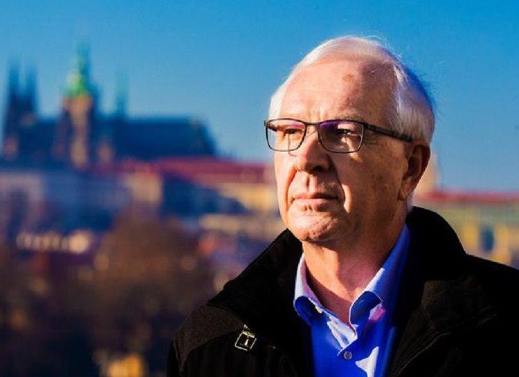 Knižní rozhovor Věda života, který s profesorem Jiřím Drahošem vedl Jiří Padevět, vyšel loňský rok. V těchto dnech se hodí třeba kratičký úryvek, který OKO vybralo jako ukázku před 2. kolem prezidentské volby.