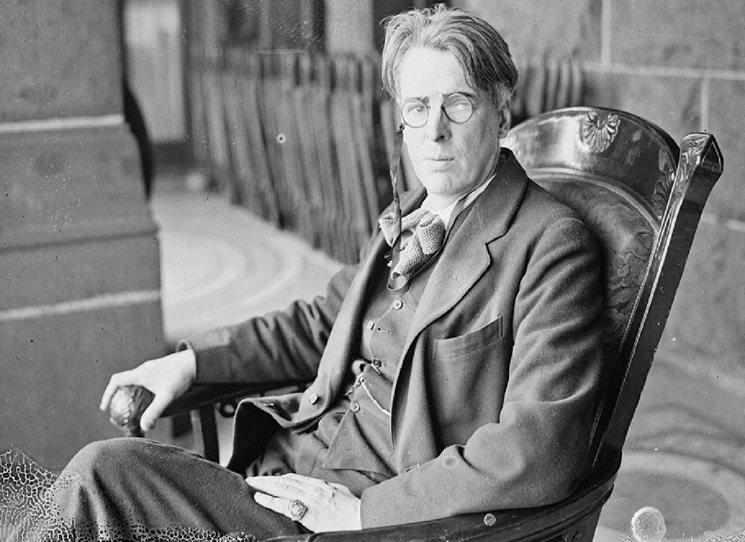 Irský básník, dramatik, prozaik a myslitel W. S. Yeats je dostatečně znám i u nás – ovšem jeho stěžejní dílo, Vize, vychází česky až nyní. A je tomu jen dobře, umožňuje totiž podívat se na jeho tvorbu, a vlastně i život, jinýma očima.