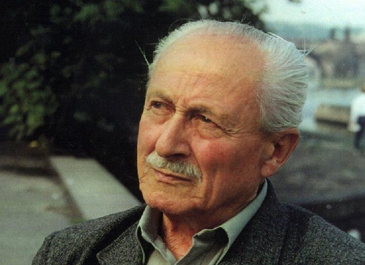 Symbolicky,  těsně před 25. únorem 2018, vyjde kniha o Pravomilu Raichlovi od badatele Jaroslava Čvančary. Hrdina 2. světové války se hned v roce 1948 zapojil do protikomunistického odboje, byl zatčen a odsouzen k trestu smrti.