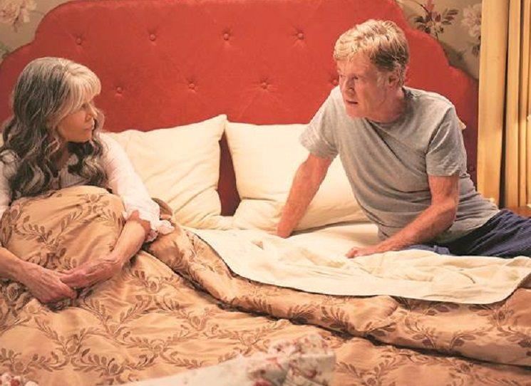 Máte tradičních romantických příběhů po krk?  Sáhněte po Cizincích v noci. A protože jde o lásku v pokročilém věku, kdy se drahá polovička nehledá a ani neudržuje snadno, jde o čtení nejspíš pro starší a pokročilé.  Kniha  je velmi decentní a téma stařecké lásky zpracovává věrohodně a civilně. Bestseller Kenta Harufa. Ve filmu Our Souls At Night hrají hlavní role lidé z obálky - Roberta Redford a Jane Fondová.