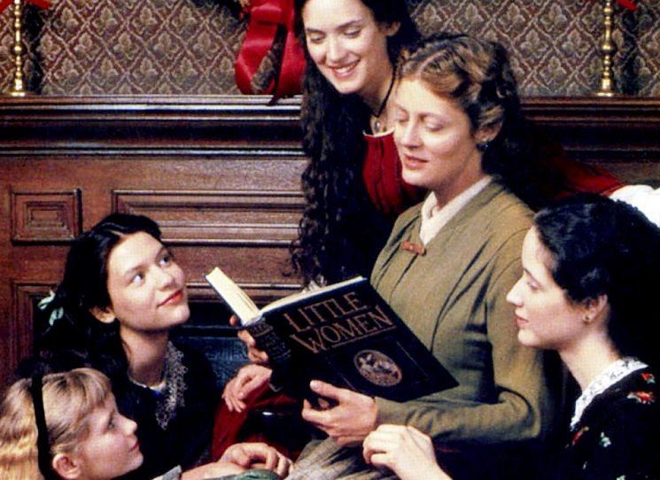 Příběh čtyř sester rozdílných povah se odehrává na začátku války Severu proti Jihu. Žijí šťastně s matkou v malém městě Concord v Massachusetts, přestože rodinu po otcově odchodu do války tíží chudoba. Nejdůležitější je totiž zachovat si smysl pro humor a sebeúctu. Louisa May Alcottová - Malé ženy.