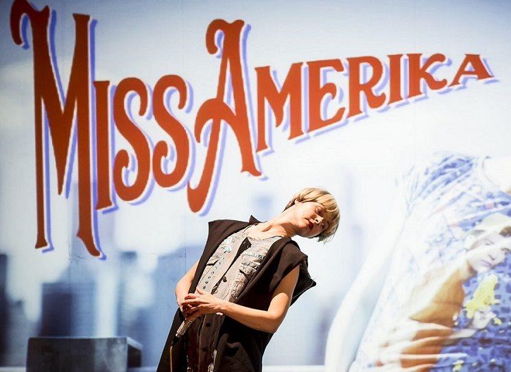 Miss Amerika – Tíživá výpověď rapující Miřenky Čechové