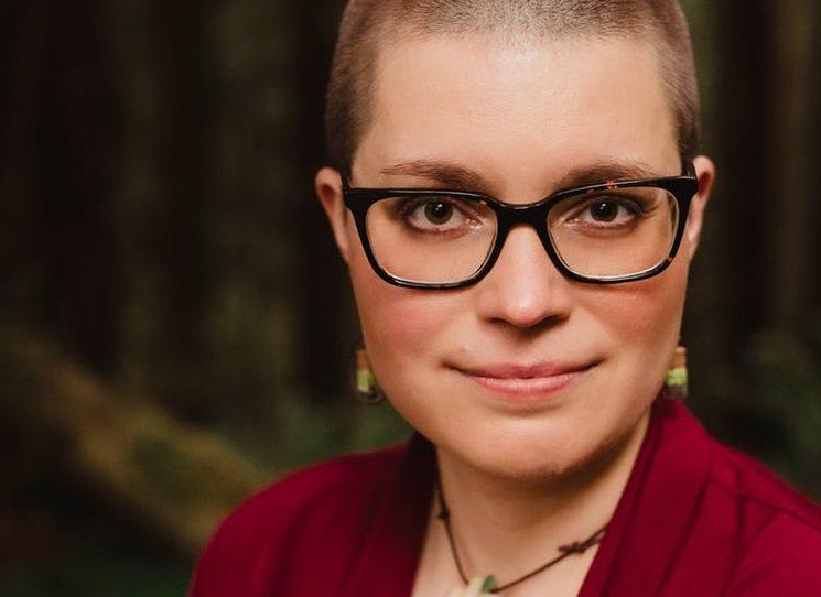 O sci-fi románech Becky Chambers na Radiu Wave