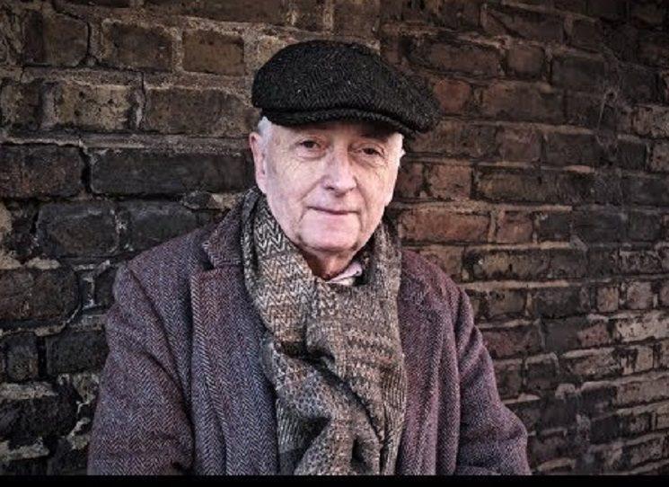 Ztráta tak blízké osoby, jako je manželka - přítel, stála na počátku knihy Juliana Barnese Žádný důvod k obavám i třeba na počátku knihy poezie Michela Fabera Neskonalá. Z té samé situace vychází i básnická sbírka Rozptylování. V prvnm českém překladu se tak k nám dostal respektovaný anglický básník Christopher Reid (1949). Knihu znalce Teda Hughese a Seamuse Heaneyho přeložil Milan Šedivý.