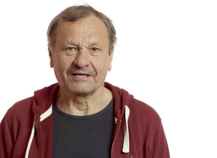 Jeden z nejvýraznějších mužů české filmové a divadelní scény napsal svoji literární prvotinu. Herec a režisér Miroslav Krobot v prozaické koláži s názvem Nečíst dává nahlédnout do své fantazie, která se vydává do podivuhodných směrů. Kombinací úvah, útržků, povídek i nonsensů putují fascinující postavy i vzpomínky a ukazují osobitý styl nezaměnitelného umělce v novém světle.